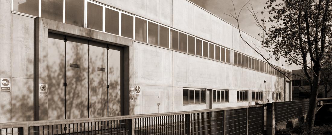 Stoccaggio per allestimenti fieristici, negozi, showroom | Foster Allestimenti 01