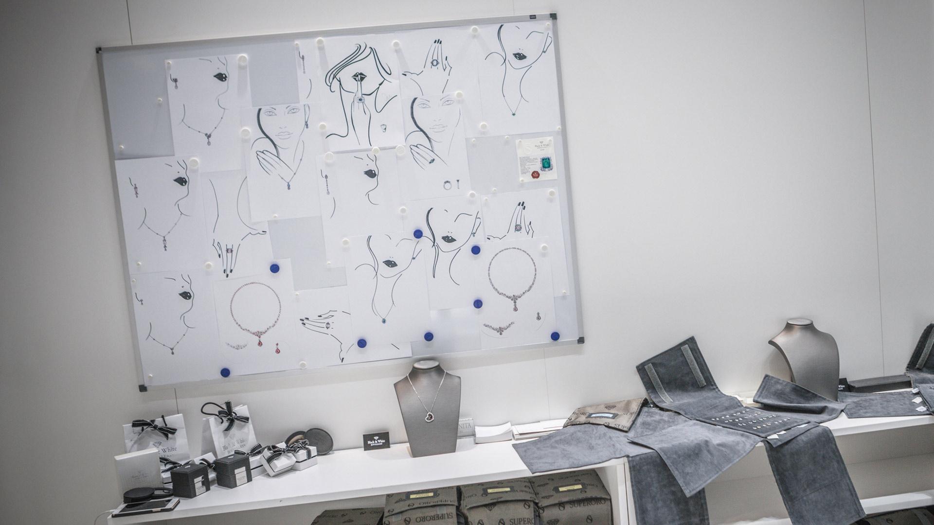 Progettazione stand fiere VicenzaOro - Black & White | Foster Allestimenti 05