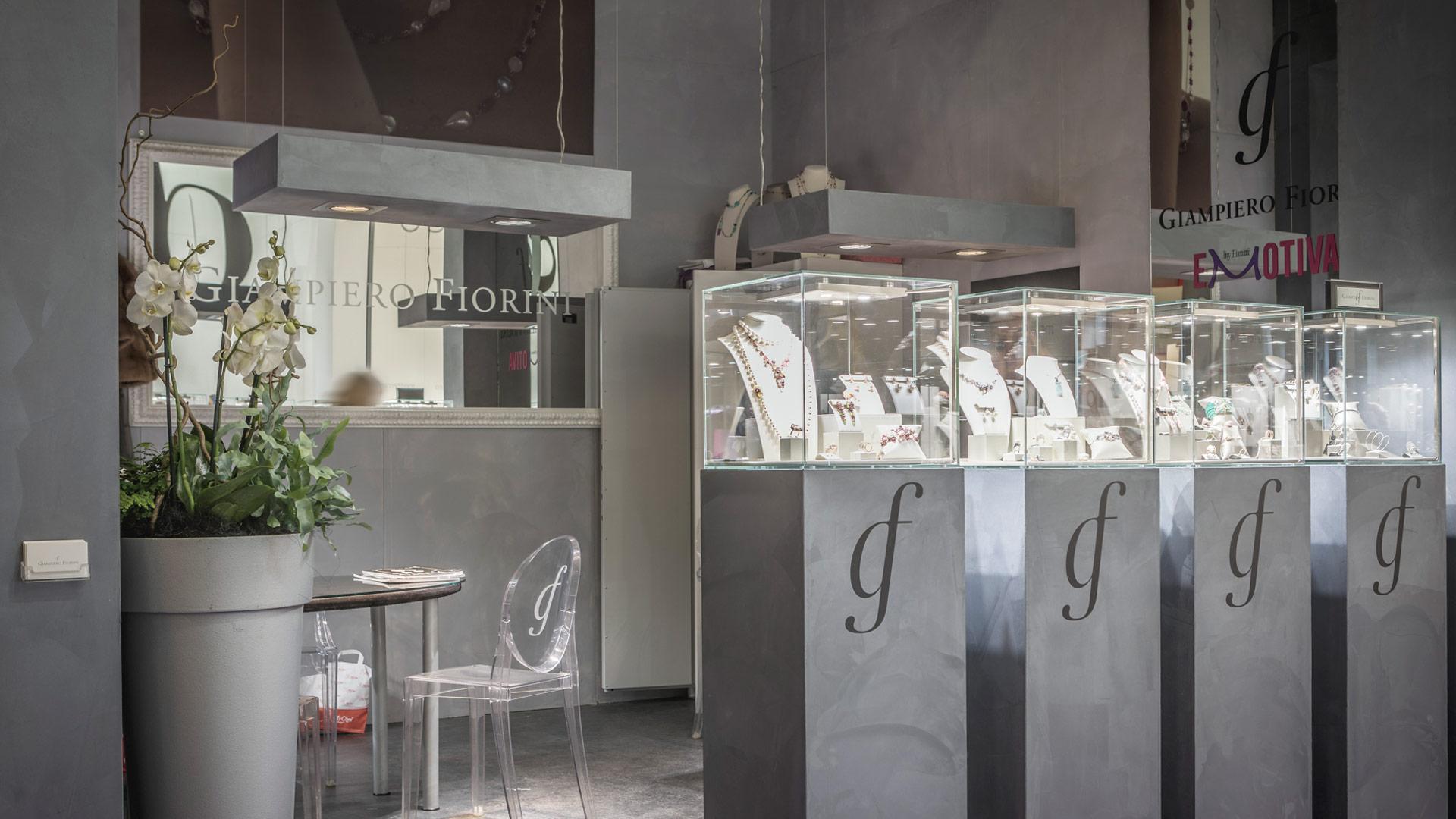 Giampiero Fiorini Exhibition stand - VICENZAORO fair trade | Foster Allestimenti 01